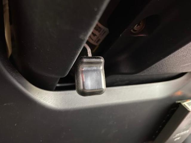 S アイドリングストップ パワーウインドウ エンジンスタートボタン キーレス オートエアコン パワーステアリング オートライト ワンオーナー 定期点検記録簿 取扱説明書・保証書 ETC UVカットガラス(17枚目)