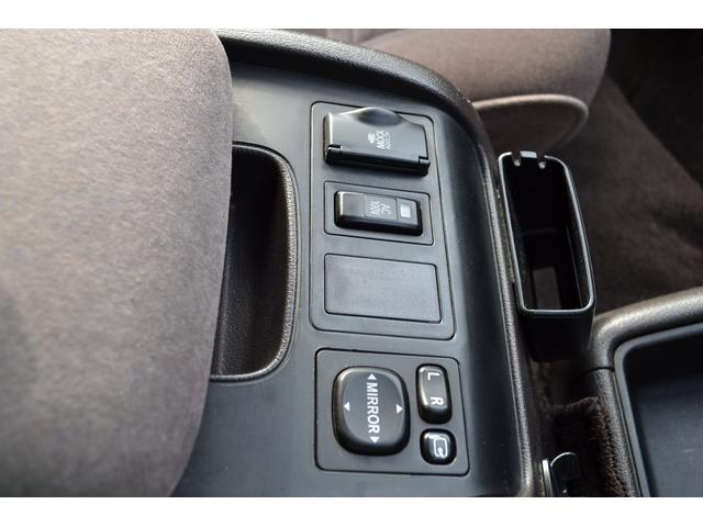 トヨタ ハイエースワゴン スーパーカスタムLTD トリプルムーンルーフ DT