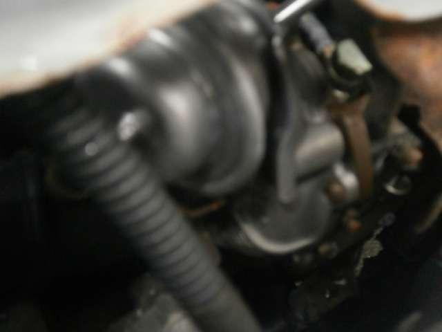 エンジンルームは、当社の専門スタッフが、徹底した洗浄を行っております。品質には、自信を持っております!