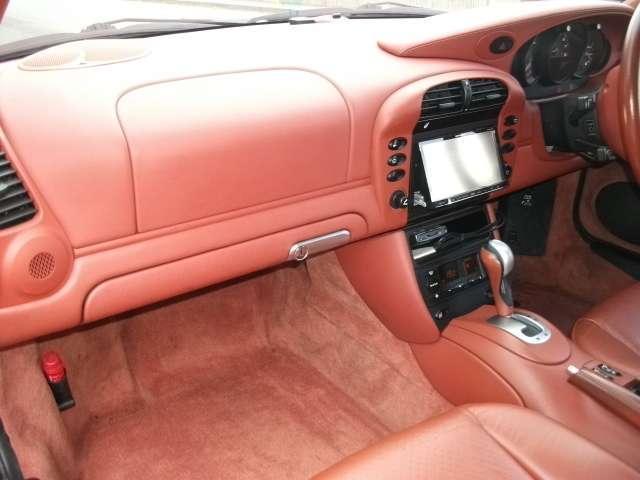 911カレラ4 ディプトロニックS 4WD 赤レザー(9枚目)