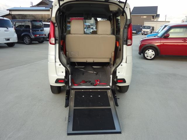 E 車いす移動車 ワンオーナー 純正SDナビ フルセグ Bluetooth 電動ウインチ(3枚目)