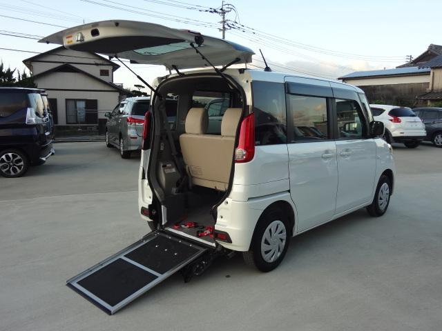 E 車いす移動車 ワンオーナー 純正SDナビ フルセグ Bluetooth 電動ウインチ(8枚目)