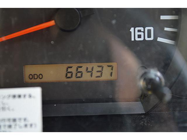 いすゞ エルフトラック 2t平ボデー フルフラットロー 鳥居ズレ止め付