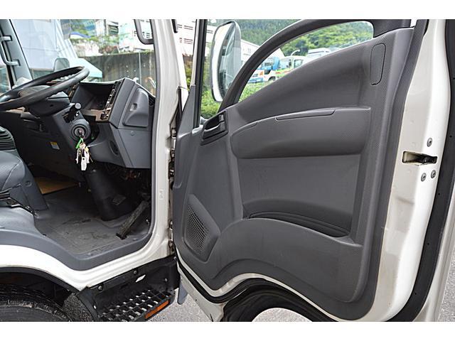 2.95t冷蔵冷凍車(13枚目)
