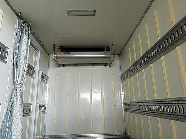 2t低温冷蔵冷凍車スタンバイモーター付 東プレ7(8枚目)