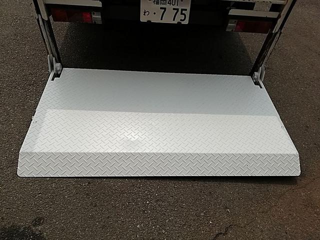 2t平ボデー垂直パワーゲート付 極東開発 下回り防錆塗装済(7枚目)