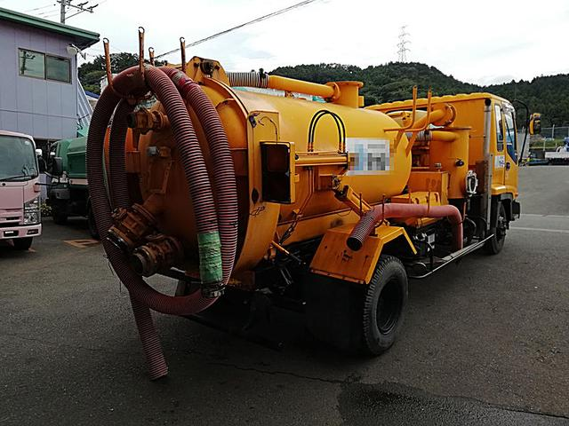 吸引車 下回り防錆塗装済 タンク容量2600KL(4枚目)