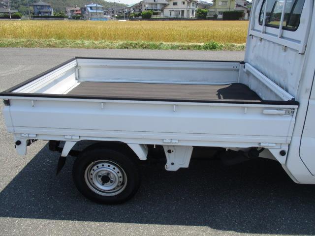 マツダ スクラムトラック KCフロア5速 AMラジオ 取扱説明書付 荷台社外ゴムマット