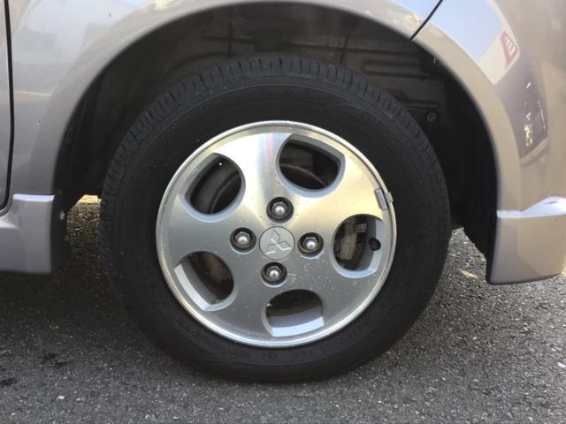 アルミホイールを履いています。アルミホイールだけでも車のイメージがかなり変わりますね。