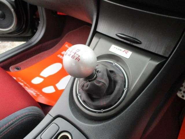 タイプR ユーロ 地デジフルセグTVナビ 社外メーター ETC ディスチャージヘッドライト 6速マニュアル オートエアコン(12枚目)
