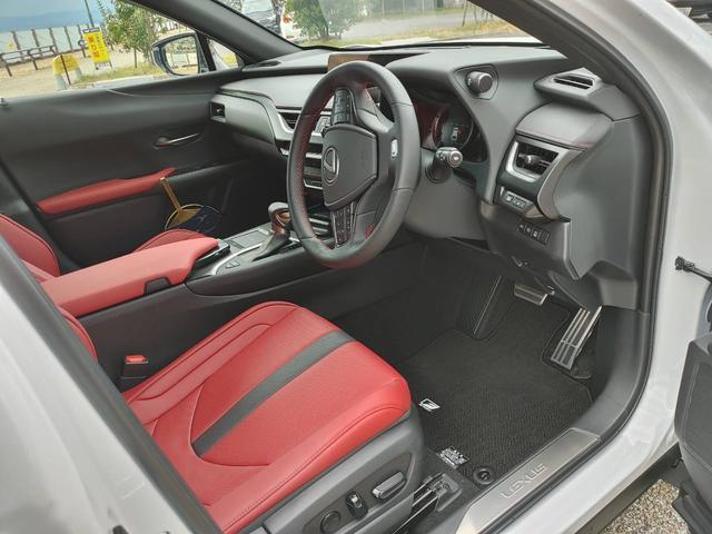 「レクサス」「UX」「SUV・クロカン」「大分県」の中古車11