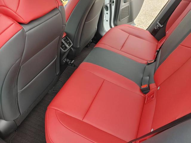 「レクサス」「UX」「SUV・クロカン」「大分県」の中古車21