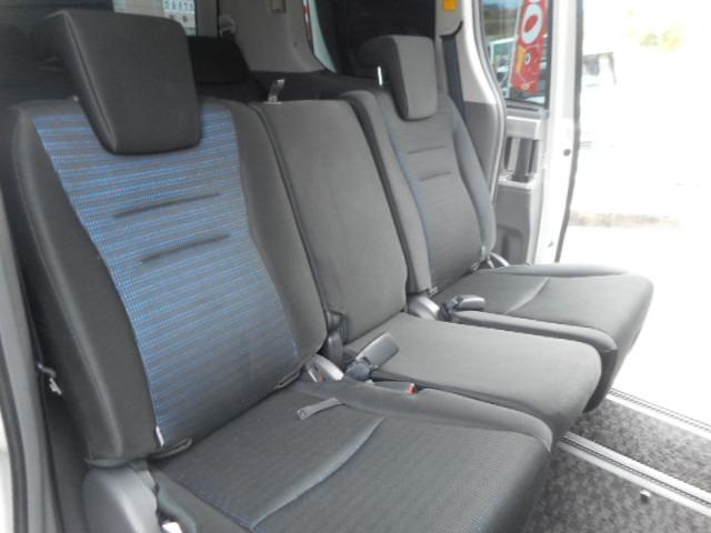 トヨタ ヴォクシー ZS煌 両側電動スライドドア・フリップダウンモニター