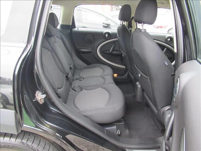 クーパー クロスオーバー 保証付 1オーナー 6速MT 純正アルミホイール 純正CDオーディオ キーレス HIDライト 電動格納ミラー 盗難防止システム ディーラー車 右ハンドル 運転席エアバッグ 助手席エアバッグ ABS(15枚目)