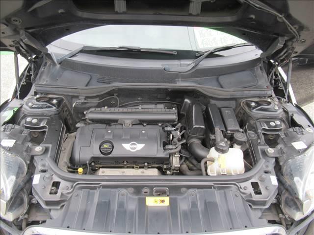 クーパー クロスオーバー 保証付 1オーナー 6速MT 純正アルミホイール 純正CDオーディオ キーレス HIDライト 電動格納ミラー 盗難防止システム ディーラー車 右ハンドル 運転席エアバッグ 助手席エアバッグ ABS(20枚目)