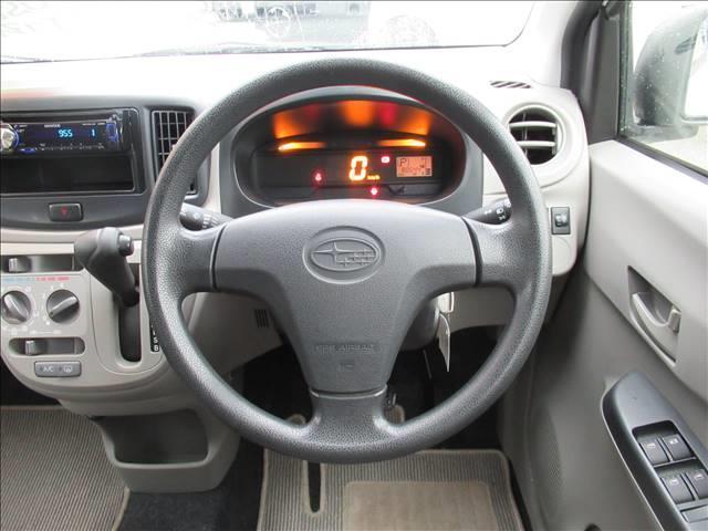 E 保証付き アイドリングストップ キーレス CDデッキ USB端子 運転手席エアバッグ 助手席エアバッグ(5枚目)