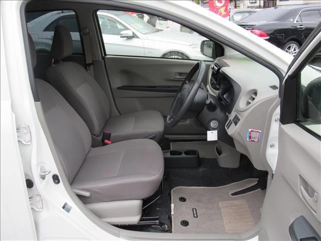E 保証付き アイドリングストップ キーレス CDデッキ USB端子 運転手席エアバッグ 助手席エアバッグ(12枚目)