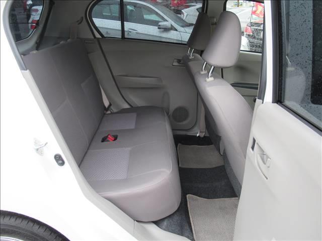 E 保証付き アイドリングストップ キーレス CDデッキ USB端子 運転手席エアバッグ 助手席エアバッグ(14枚目)