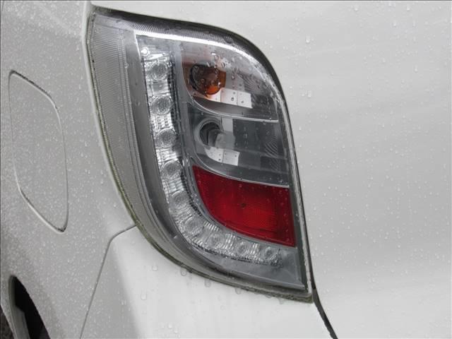 E 保証付き アイドリングストップ キーレス CDデッキ USB端子 運転手席エアバッグ 助手席エアバッグ(16枚目)