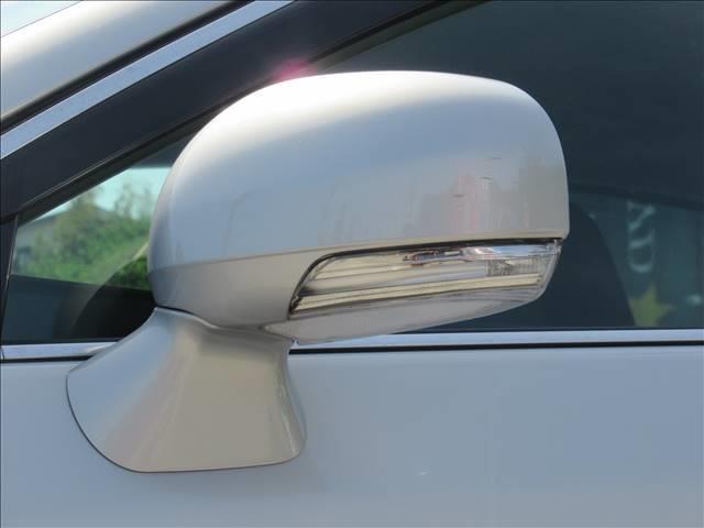 ベースグレード 保証付き HDDナビフルセグTV バックモニター CD再生 DVD再生 スマートキー 盗難防止付きシステム 純正アルミホイール HIDヘッドライト 衝突被害軽減システム パワーシート シートヒーター(11枚目)