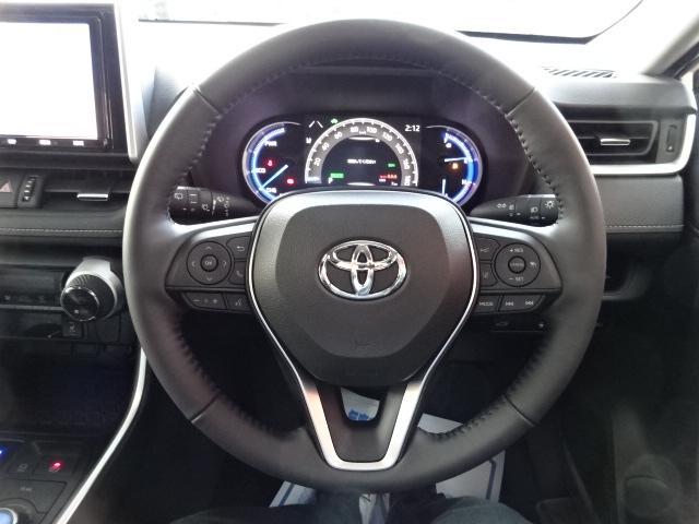 九州運輸局認定の民間車検工場を完備しておりますので、車検・点検もお任せ下さい!