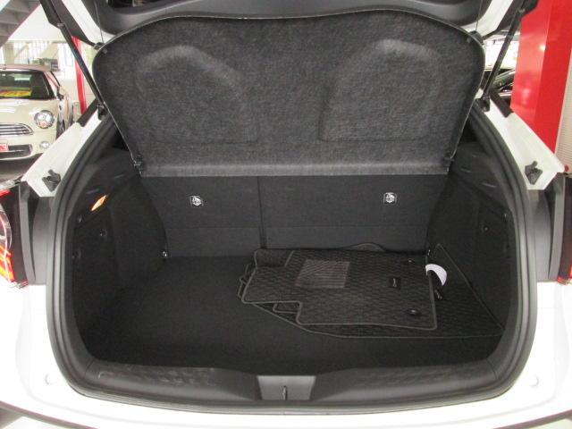 トヨタ C-HR G-T 登録済未使用車 セーフティセンス SDナビ フルセグ