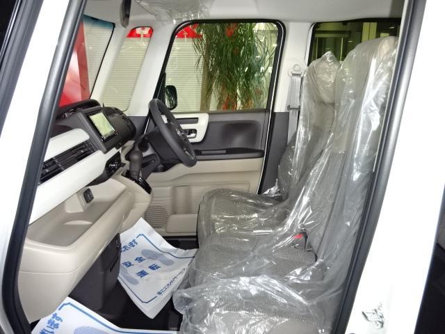 G・Lホンダセンシング 届出済未使用車 SDナビ フルセグ バックカメラ パワースライド LED ETC シートヒーター スマートキー クルーズコントロール アイドリングストップ(4枚目)