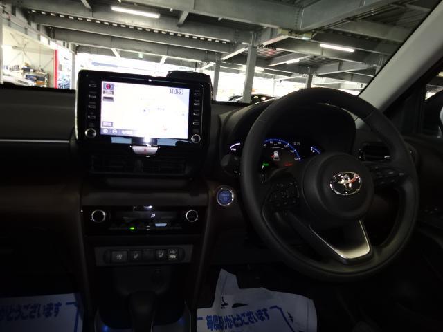 ハイブリッドZ 登録済未使用車 9インチナビ フルセグ バックカメラ セーフティセンス LED シートヒーター 純正アルミ スマートキー クルーズコントロール(3枚目)