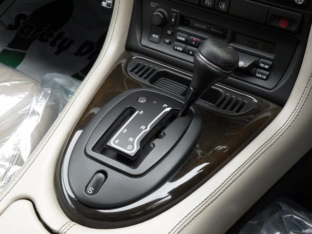ジャガー ジャガー XK8 スポーツ オ-バ-ホ-ル済 LED フォグ ETC