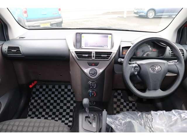 100X 保証付 メモリーナビ ETC バックカメラ キーレス 電動格納ミラー 運転席エアバッグ 助手席エアバッグ サイドエアバッグ 横滑り防止(9枚目)