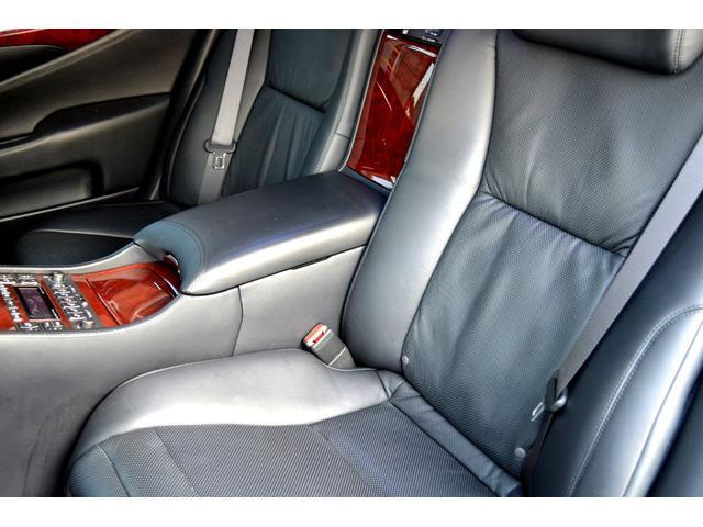 LS600hL後席セパレートシートパッケージ(14枚目)