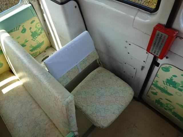 幼児バス 乗車定員 大人3人 幼児38人(15枚目)