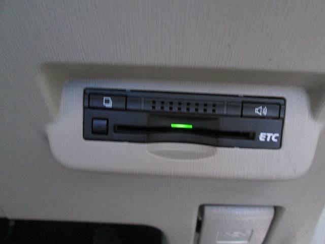トヨタ プリウスアルファ 1.8S 純SDナビ・フルセグTV