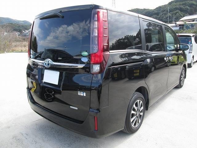 「トヨタ」「エスクァイア」「ミニバン・ワンボックス」「長崎県」の中古車3