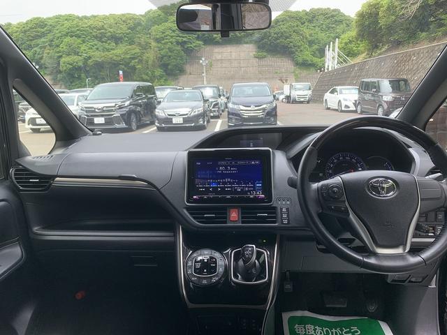 「トヨタ」「エスクァイア」「ミニバン・ワンボックス」「長崎県」の中古車4