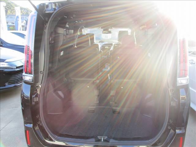 Giプレミアムパッケージ ブラックテーラード 登録済未使用車(8枚目)