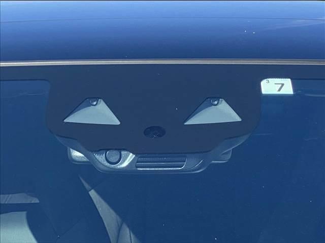 A200d AMGレザーエクスクルーシブパッケージ ターボ サンルーフ 衝突被害軽減ブレーキ 純正ナビ ETC 全方位カメラ フルセグTV DVD再生 CD再生 LEDライト オートライト レザーシート シートヒーター パワーシート スマートキー(7枚目)