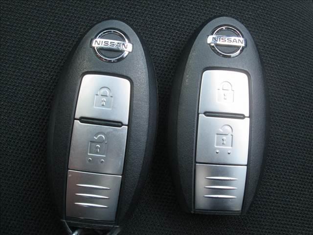 X ブラックアロー 衝突被害軽減ブレーキ センターディスプレイ ETC 全方位カメラ Bluetooth接続 LEDライト オートライト レーンアシスト スマートキー アイドリングストップ 純正アルミホイール(19枚目)