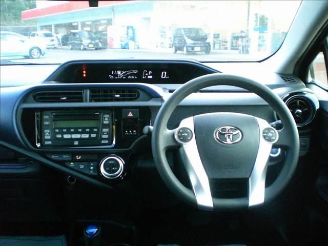 トヨタ アクア 1.5S 後期モデル 純正CD・プライバシーガラス