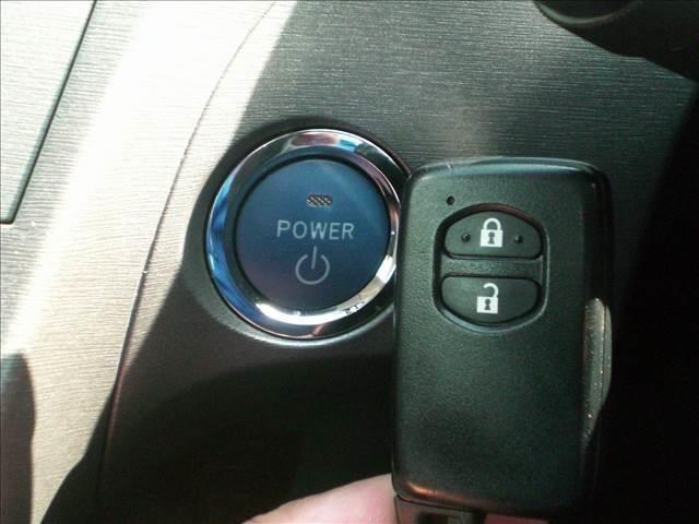 トヨタ プリウス 1.8S ビルトインETC・HIDライト