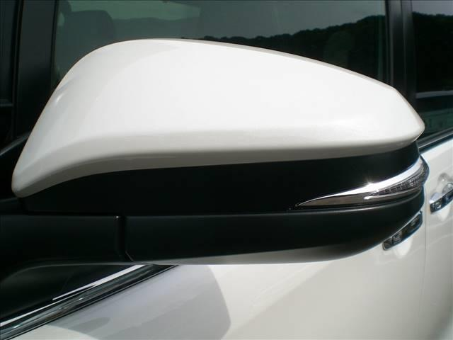 ハイブリッドGi ブラックテーラード 登録済未使用車 禁煙車(3枚目)