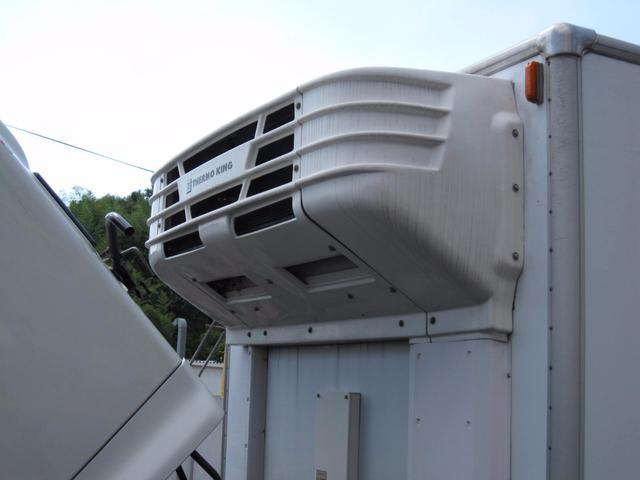 日野 レンジャープロ 4t 冷蔵冷凍車 横ドア付