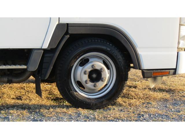 ホイール、タイヤ共にまだ使用可能ですよ♪※別途費用にて新品タイヤに変更可能ですのでお気軽にご相談ください♪