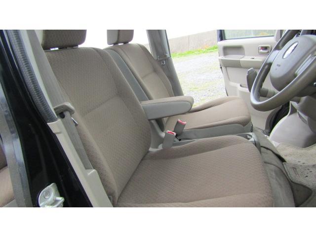 運転席、助手席に大きなシミや汚れ等無く、綺麗な状態です♪