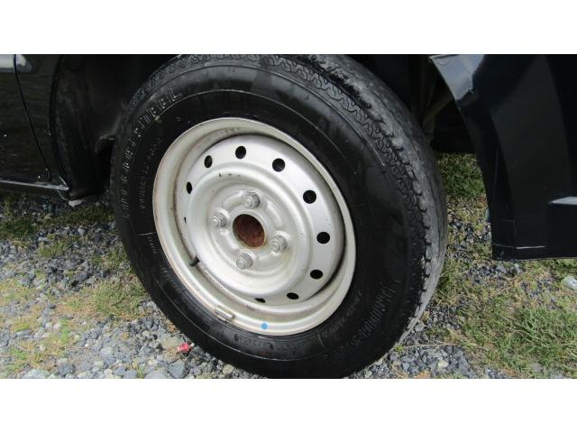 ホイール、タイヤ共にまだ使用可能です♪