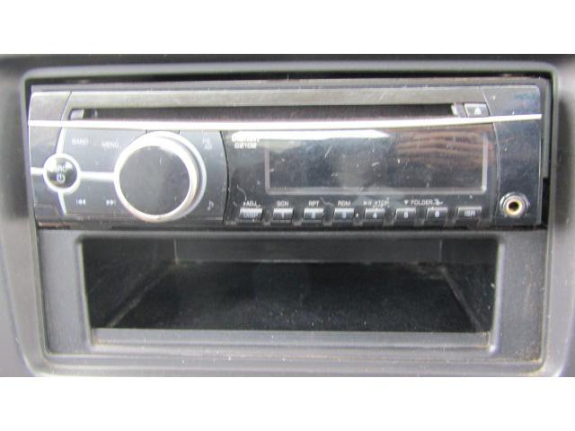 CDデッキ付きですので、お好きな音楽を流して運転等をお愉しみください♪