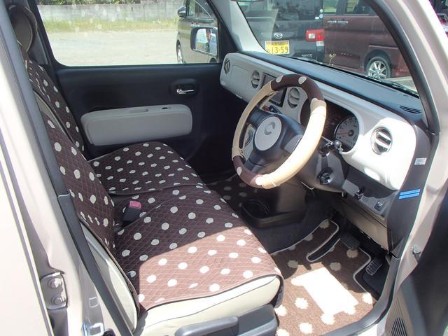 新品シートカバー・ハンドルカバー・フロアマットです!新しいお車に気持ちよくなって頂きたいと思っております♪