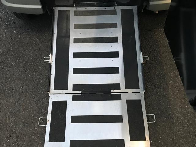 福祉車輛 車いすステップ 電動格納ミラー キーレス CD(3枚目)