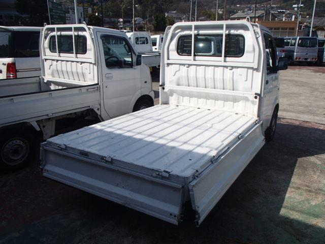スズキ キャリイトラック 4WD 5速マニュアル エアコン 三方開