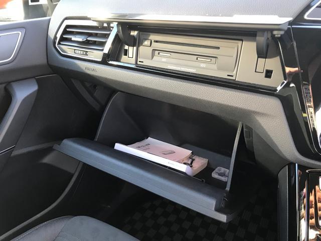 「フォルクスワーゲン」「VW ゴルフトゥーラン」「ミニバン・ワンボックス」「佐賀県」の中古車31
